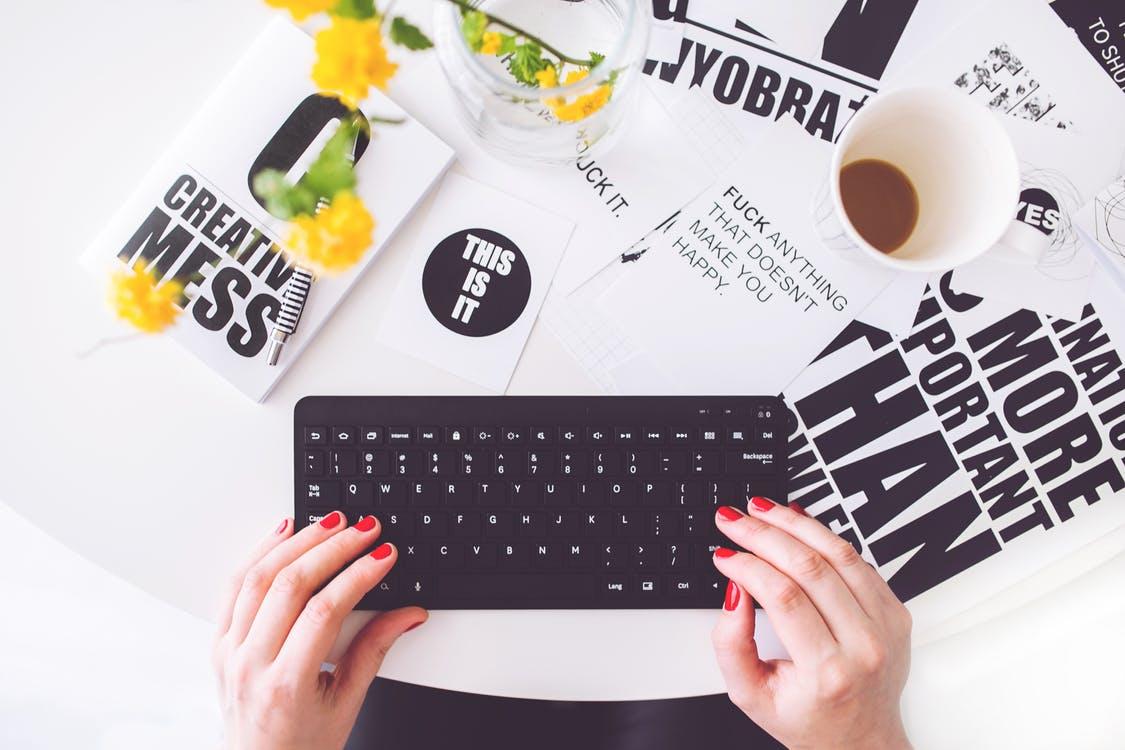 blog-erstellen-leicht-gemacht-wie-du-von-anfang-an-alles-richtig-machst-das-ultimative-juststartup-starterpack