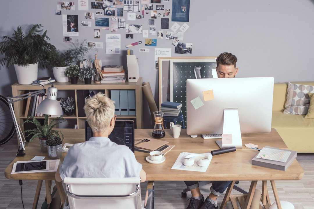 IT-Ausrüstung-für-Startups-01